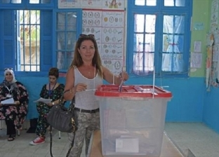 صعود مرشح محبوس ومنطقة تمتنع عن التصويت.. 10 مشاهد من انتخابات تونس