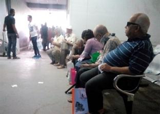 مرضى «معهد ناصر» يوم صرف العلاج الشهرى: فعلاً المرض بيذل