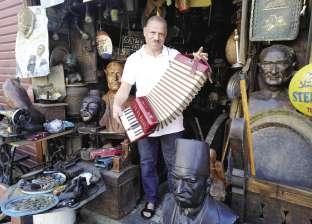 """""""مصطفى"""" يحارب تجار الخردة: ممنوع الاقتراب من التماثيل الأصلية"""
