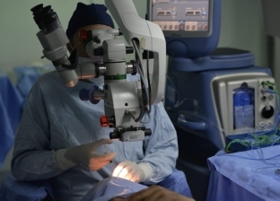 70 عملية «عيون» و312 نظارة طبية مجاناً فى الأقصر