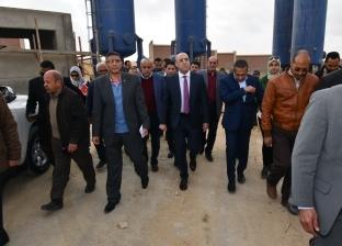 بالصور| وزير الإسكان يبدأ أولى جولاته بتفقد مشروعات في القاهرة الجديدة