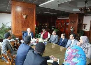 بالصور| وزير الري يلتقي شباب المهندسين بالبرنامج الرئاسي لتأهيل الشباب