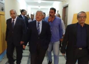 نائب رئيس المحكمة الدستورية يستعرض قانون الخدمة المدنية بجامعة المنيا