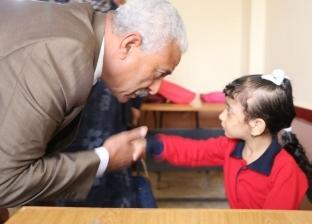 في أول يوم دراسة بالسويس.. صقر يفتتح مدرسة جديدة ومبنى تعليمي