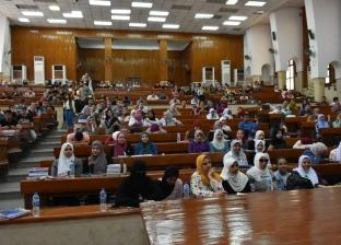 احتفاليات ثقافية وفنية في أول أيام الدراسة بجامعة القاهرة