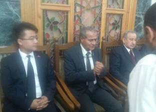 وصول وفد من السفارة الصينية بالقاهرة إلى عزاء رفعت السعيد
