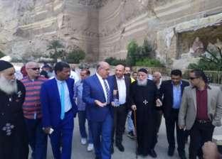 نائب محافظ القاهرة يتفقد دير القديس سمعان