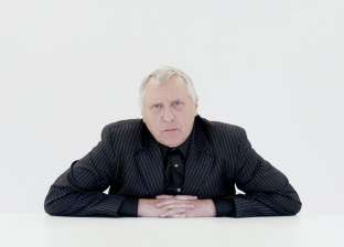 «القاهرة السينمائى» يكرم البريطانى بيتر جرينواى ويمنحه جائزة «فاتن حمامة»