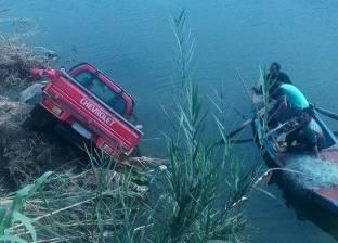 """مصرع سائق سقطت سيارته """"النقل"""" في ترعة النوبارية غرب الإسكندرية"""