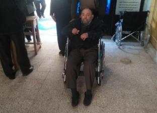 صور  مواطنون يتوجهون إلى لجان الاستفتاء على أنغام المزمار في دمياط