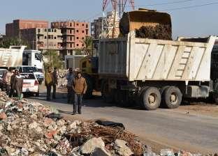 تخصيص سيارات كسح لرفع أكوام القمامة في الشرقية