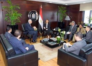 سفير العراق يبحث الإعداد للجنة العليا المشتركة مع وزيرة الاستثمار