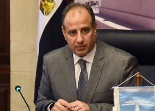 """محافظ الإسكندرية يتقدم الجنازة العسكرية لتشييع جثمان شهيد """"سيناء 2018"""""""