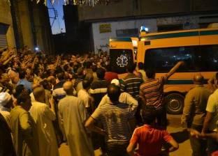 أهالي أبوكبير بالشرقية يشيعون جثامين 3 من ضحايا تصادم قطار وسيارة بفاقوس