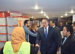 رئيس جامعة سوهاج يزور مستشفى الأطفال العائم
