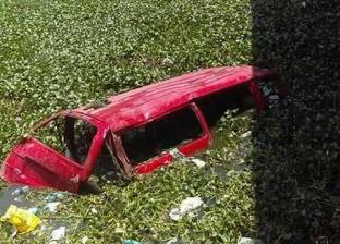 إصابة 12 شخصا خلال حادث انقلاب ميكروباص في كوبري الناموس بالإسكندرية