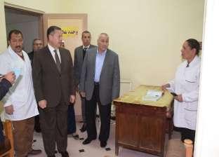 محافظ بني سويف يفاجئ مستشفى ناصر العام.. ويحيل المتغيبين للتحقيق