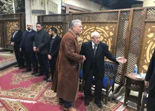 محمود حميدة ويسري نصر الله يقدمان واجب العزاء في محسن نصر