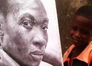 بالفيديو| طفل في الحادية عشرة يبدع لوحات واقعية مدهشة