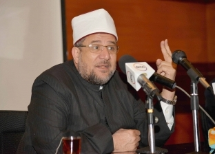 """""""جمعة"""" يلتقي بشيخ الأزهر لإعداد 1000 ملتقى فكري مشترك في رمضان"""