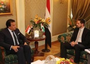 عبدالغفار يلتقي وزير شؤون خارجية المجر لبحث التعاون العلمي بين البلدين