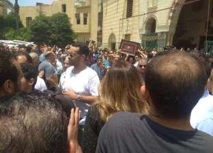 وصول جثمان عزت أبو عوف لمسجد السيدة نفيسة