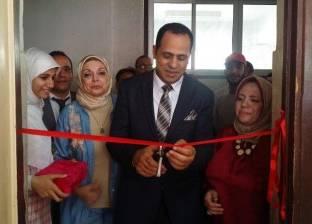 رئيس جامعة دمنهور يفتتح المشروعات الصغيرة للناجحين بفصول محو الأمية