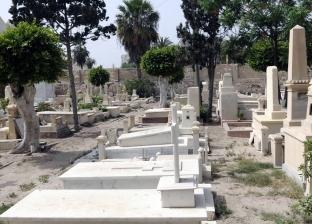 قبور اليونانيين «جنة على الأرض».. تماثيل ملائكية ومساحات خضراء