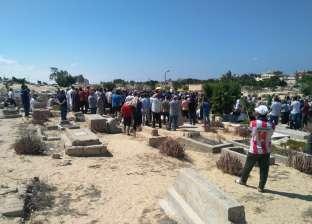 المئات يشاركون في تشييع جثمان النائب حسام رفاعي بالعريش