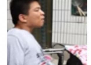 بالفيديو| شاب صيني يبتكر أشكالا فنية بلسانه ويدخل موسوعة جينيس