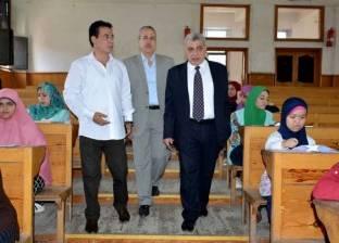 نائب رئيس جامعة طنطا يتفقد اختبارات القدرات بكلية التربية النوعية