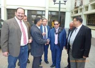 رئيس جامعة بورسعيد يتابع استعدادات امتحانات نصف العام الأول