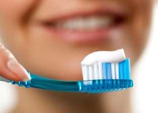 """""""تُسبب أمراضا ومشكلات صحية"""".. متى يجب تغيير فرشاة الأسنان؟"""