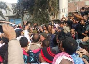 أهالي قتيل يغلقون مستشفى الحامول بعد اتهام المباحث بقتله