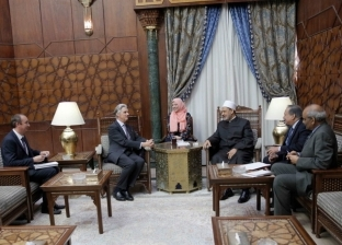 شيخ الأزهر يستقبل سفير بريطانيا بالقاهرة