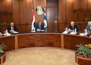 """""""البترول"""": الوزير وافق على خطة تطوير مستشفيات ومراكز القطاع الطبية"""