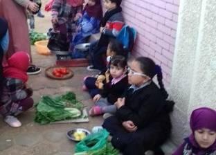 سوق عشوائي لتلاميذ رياض أطفال بمدرسة بالشرقية تثير جدالا على مواقع التواصل
