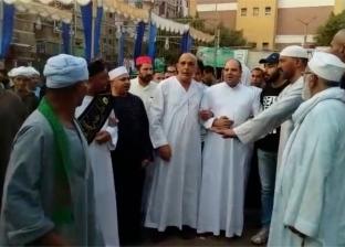 إنشاد ديني وتحطيب ولقمة القاضي في مولد سيدي الفرغل بأسيوط