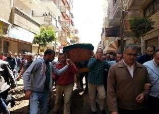 تشييع جثمان اللواء أشرف طبق في شبراخيت بعد مقتله على يد طالب