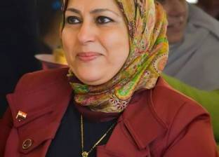 مدير شرق التعليمية بالإسكندرية تناقش مشاكل القمامة خارج أسوار المدارس