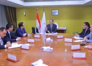 """عرفات يستعرض الخطة الاستثمارية للسكك الحديدية خلال لقاء وفد """"CCECC"""""""