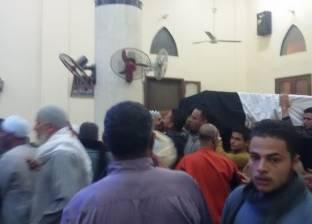 تشييع جثمان غفير أصيب بطلق ناري أثناء مزاحه مع زميله في الدقهلية