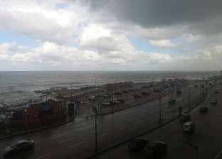 هطول أمطار على سواحل دمياط.. وتوقف حركة الصيد لليوم الثاني على التوالي