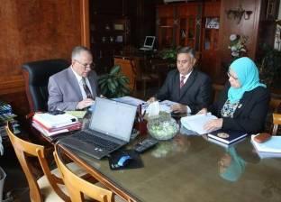وزير الري يناقش المشاركة في اللجنة العلمية الاستشارية للجامعة العربية