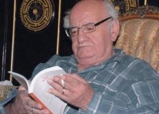 """تلميذ خيري شلبي يتمنى إعادة بعث """"بطن البقرة"""": رواية عالمية عظيمة"""