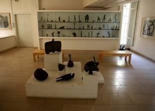 «آدم حنين» أشهر النحاتين.. بدأ تجربته فى الثامنة من عمره حتى أسس متحفاً عالمياً