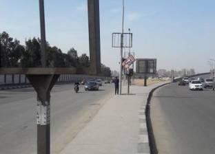 رفع الإعلانات المخالفة بمنطقة الشيراتون