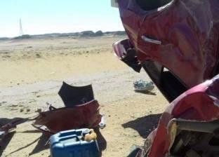 """إصابة شخصين إثر انقلاب سيارة نقل على طريق """"السويس- العين السخنة"""""""