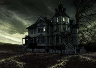 """ماتت العمة فتحول البيت لـ""""مأوى أشباح"""".. قصة أسرة """"رولاند"""" مع الظلام"""