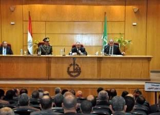 محافظ القليوبية يناقش مشاكل المحافظة مع رئيس الهيئة العامة للطرق والكباري